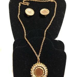 Gold Tone Coin Bling Jewlery Set!!!